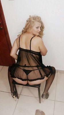 pictures Izabella