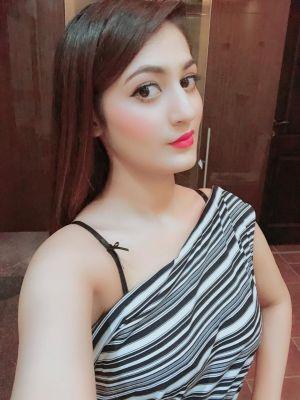 Dubai fetish escort Vip-indian-Pakistani for golden shower, sex with toys